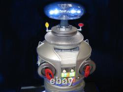 Moebius Lost In Space Robot B9 Pro Built / Museum Quality Construction & Finish